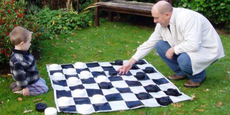 Правила игры в шашках для начинающих детей